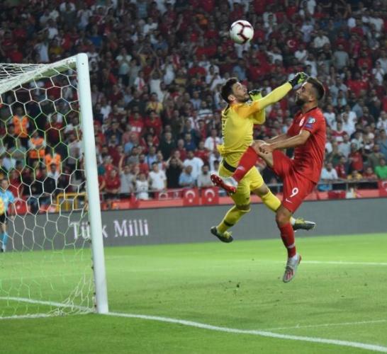 A Milli takımımız 2020 Avrupa Futbol Şampiyonası Elemelerinde H Grubu 3. Maçını Konya'da  Son maçını ise Dünya Şampiyonu Fransa'yı konuk etti   Türk Milli Takımı 90 dakika sonunda rakibi Fransa'yı 2-0 yenerek Dünya şampiyonunu yenen Türk Milli takımı rakibi Fransa'yı yenerek  Tarih yazdı