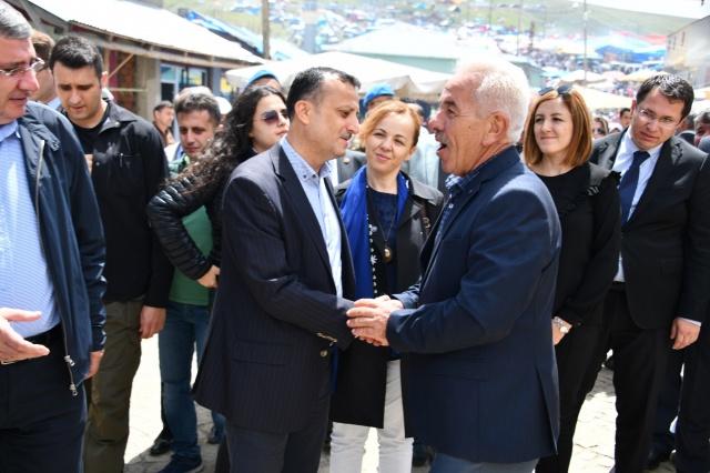 Gümüşhane'nin Kürtün Belediye Başkanı Enver Şen'in bu yıl Geleneksel olarak Düzenlediği 2019 Güvende Yayla Şenliği büyük bir coşkuyla yapıldı.