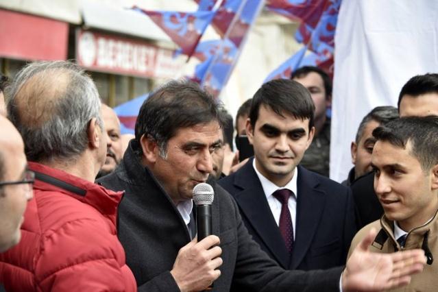 Torul Trabzonspor Taraftarlar Derneğinin  özel daveti üzerine Torul'a  gelen Trabzonspor kafilesi Torul halkı ve taraftarı büyük bir coşkuyla karşıladı Trabzonspor Taraftarını.