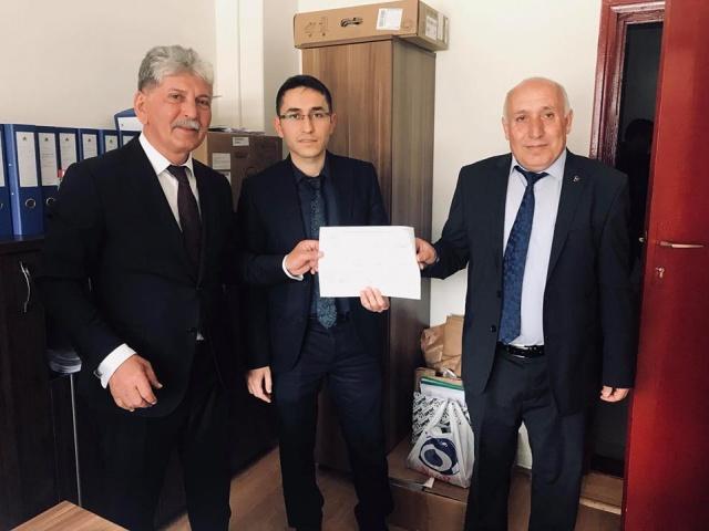 Özkürtün MHP Belediye Başkanı Yakup Turgut, 31 Mart Seçimlerinin ardından YSK tarafından başlatılan yasal sürecin ardından bugün ilçe Seçim kurulundan mazbatasını alan Başkan Yakup Turgut Göreve Başladı.