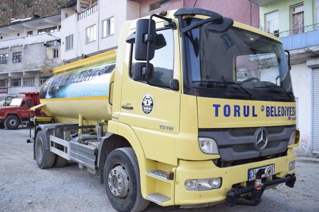 Torul Belediyesi, Belediye Başkanı Evren Evrim Özdemir ve ekibinin girişimleri sonucunda Belediyeye iki adet yeni araç kazandırdı.