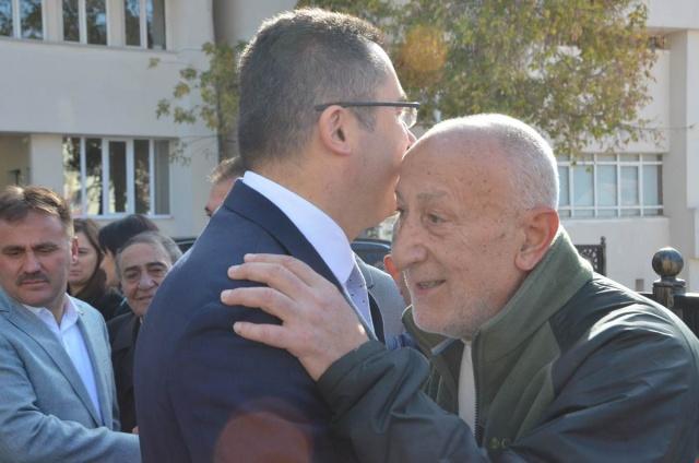 Gümüşhane Valisi Okay Memiş, Cumhurbaşkanlığı tarafından  yayımlanan kararname ile Erzurum Valiliğine atanan Vali Okay Memiş Gümüşhane'den ayrıldı.