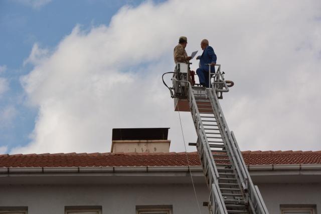 Kelkit Belediye İtfaiye Ekipleri İlçede hava kirliliğini önlemek amaçlı  insan sağlığını tehdit eden olumsuz hava kirliliğine karşı  ilçede ve  kırsal mahallelerde  Su filtre  denetimlerini artırdı.