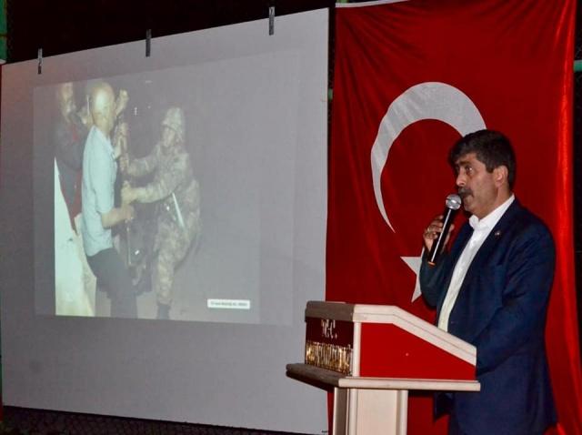 Torul'da 2016 15 Temmuz hain darbe girişiminin 3. Yıl dönümü nedeniyle Torul Kaymakamlığı ve Torul Belediyesinin ortaklaşa düzenlediği 15 Temmuz Demokrasi ve Milli birlik etkinliği düzenlendi.