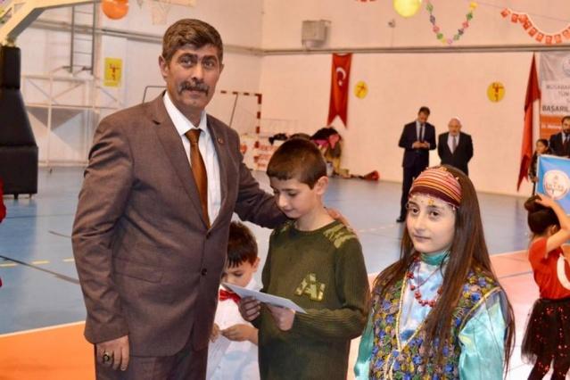 Torul Milli Eğitim Müdürü Eyüp Zengin'in düzenlediği 23 Nisan Ulusal Egemenlik Çocuk Bayramı coşkuyla kutlandı.