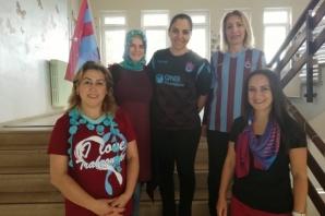 Akçaabat'ta  Öğrenciler Formayla Derse Girdiler