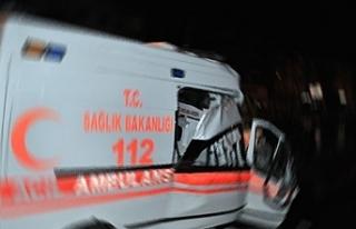 Hasta nakleden ambulans kaza yaptı