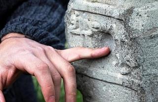 Ermenilerin attığı mermilerin izleri hala duruyor.