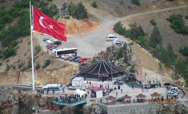 Cam Seyir terasına Kır Lokantası Açılıyor