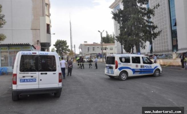 Nizip'te minibüs şoförlerinin silahlı kavgası: 5 yaralı