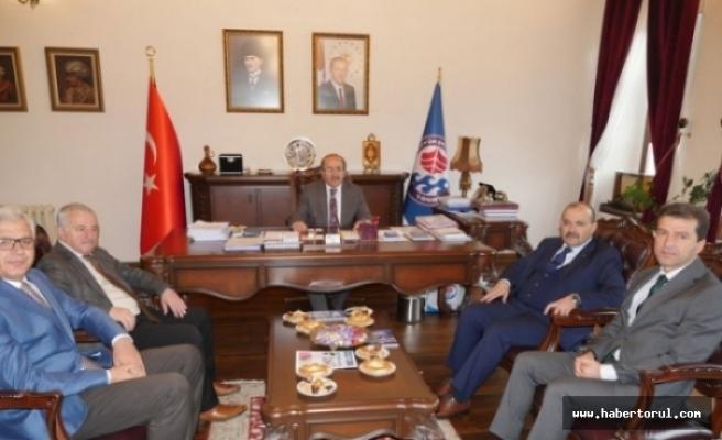 Vali Ustaoğlu'ndan , Başkan Gümrükçüoğlu'na tebrik
