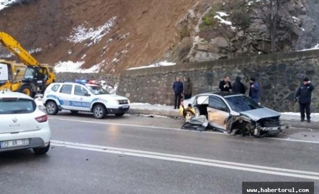 Gizli buzlanma sonucu zincirleme trafik kazası meydana geldi.
