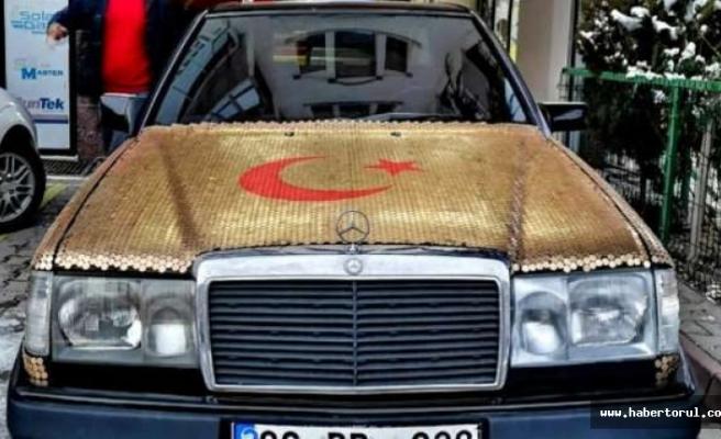 Mercedes marka otomobilini 1 kuruş madeni para ile kapladı.
