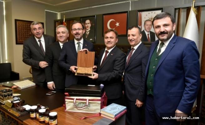 Spor bakanı kasapoğlu gümüşhane'de  ziyaretlerde bulundu