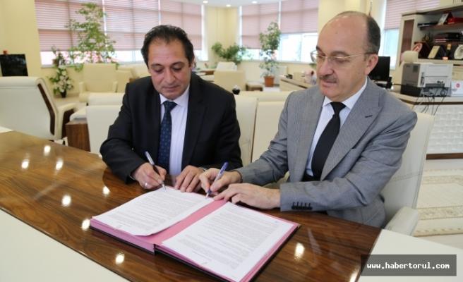 Gümüşhane Üniversitesi Sağlık Müdürlüğü ile Protokol Anlaşması İmzalandı